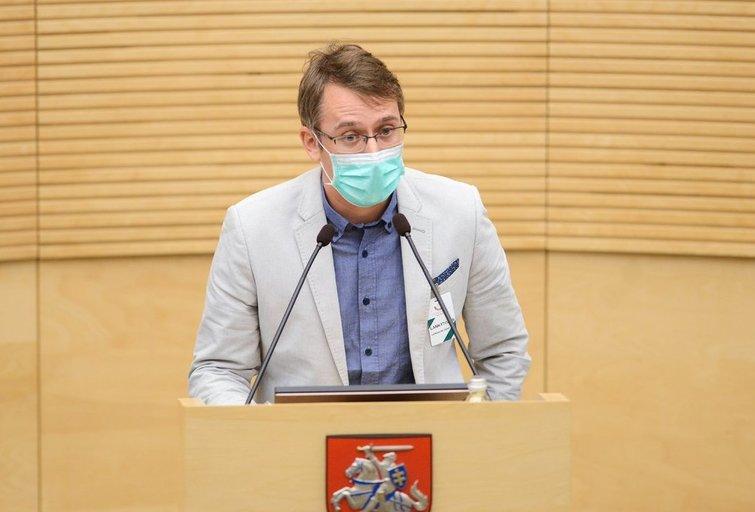 Ekspertų tarybos narys: gal atėjo laikas pabandyti epidemijos riziką kontroliuoti verslui? (nuotr. Fotodiena/Justino Auškelio)