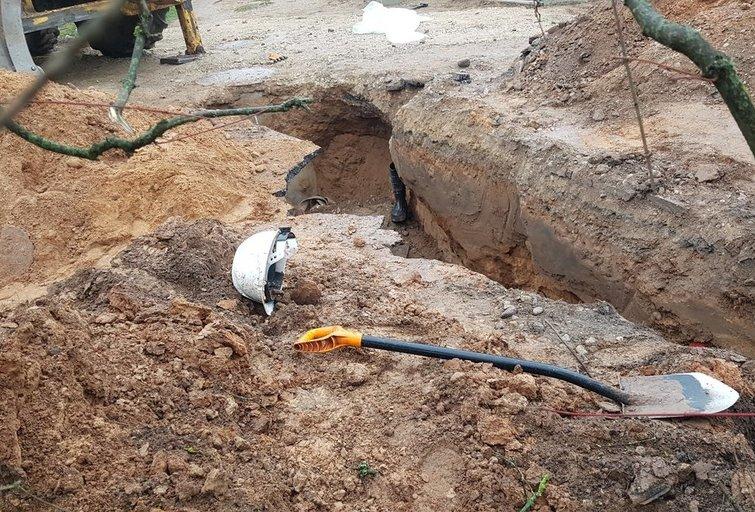 žemės užgriuvo žmogų Jonavos rajone, V. Girčės nuotr.