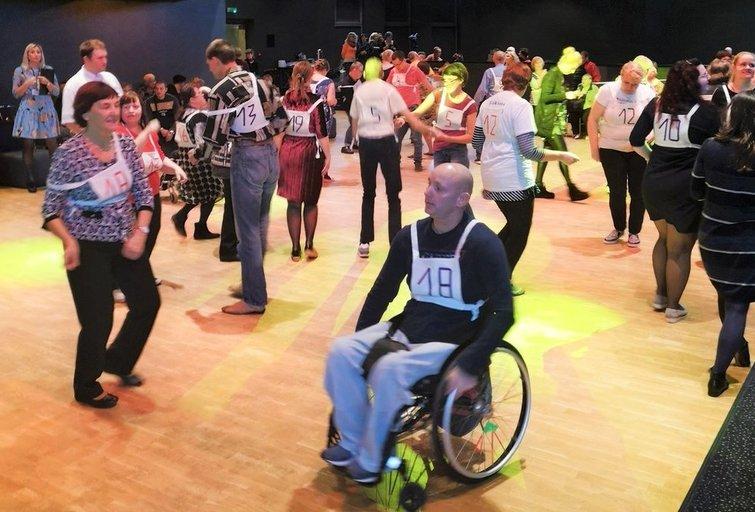 """11-ojo negalią turinčių žmonių šokių maratono """"Mes kartu – mes tvirti"""" akimirkos.  Aurelijos Babinskienės nuotr."""