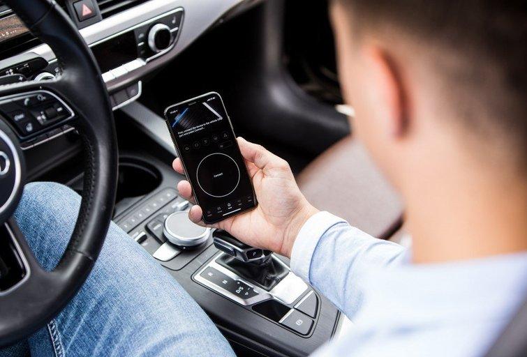 """""""OBDeleven"""" – automobilių entuziastams skirta diagnostikos įranga"""