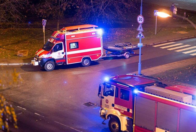 Ugniagesiai-gelbėtojai (nuotr. Broniaus Jablonsko)