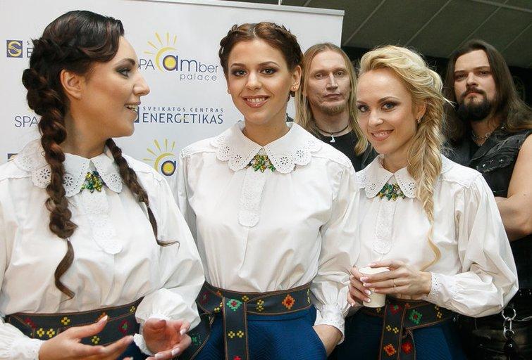 """Tautinių šokių projekto """"Kadagys"""" užkulisiai (nuotr. Tv3.lt/Ruslano Kondratjevo)"""