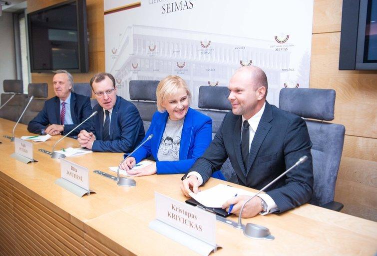 Kristupas Krivickas, Rūta Janutienė, Naglis Puteikis, Povilas Gylys (nuotr. Fotodiena/Justino Auškelio)