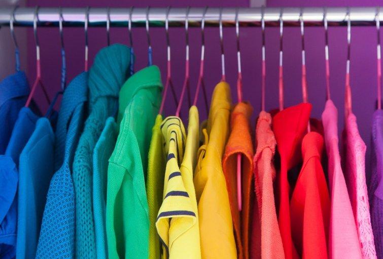 Spalvoti drabužiai (nuotr. Shutterstock.com)