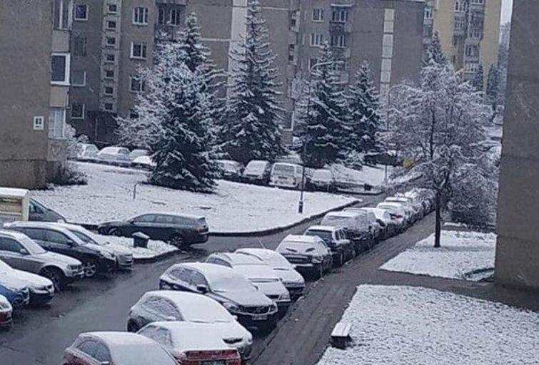 """Lietuvoje krenta pirmasis sniegas (nuotr. """"Facebook""""/""""Orų entuziastai"""")"""