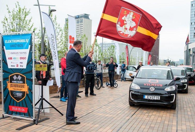 Prasidėjo elektromobilių varžybos (nuotr. Organizatorių)