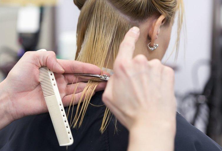 Į grožio salonus įleis tik su galimybių pasu (nuotr. 123rf.com)