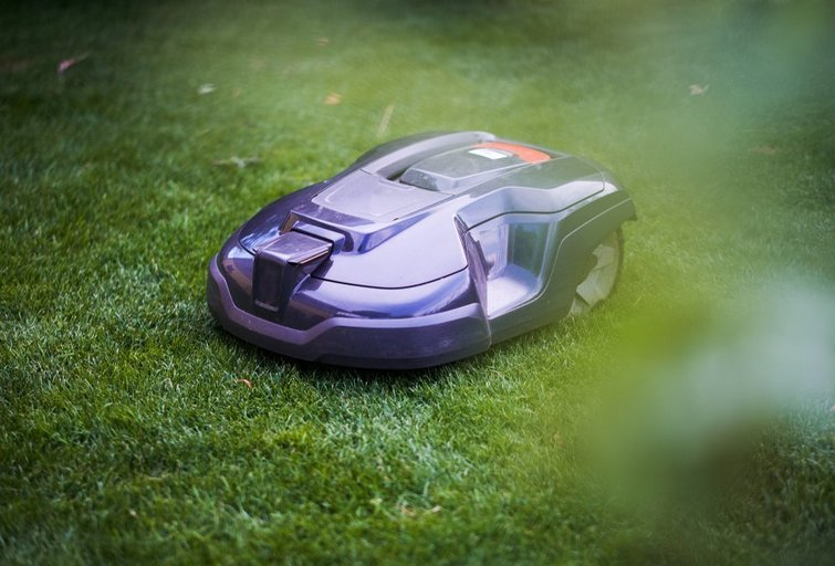 robotas vejapjovė (nuotr. Shutterstock.com)