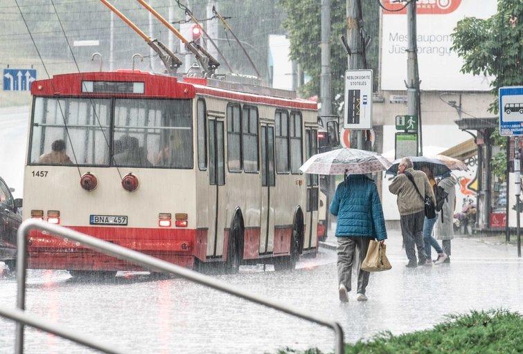 Orai, lietus, ruduo (nuotr. Fotodiena.lt)