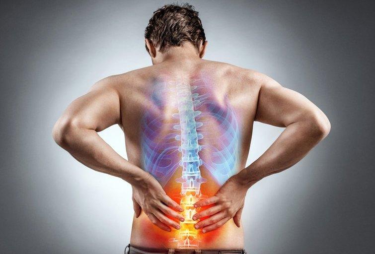 Nugaros skausmas (nuotr. Shutterstock.com)