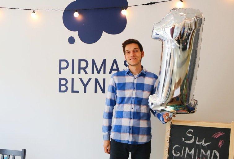 """Timas van Wijkas su savo komanda paminėjo pirmąjį """"Pirmo blyno"""" gimtadienį. Sigitos Inčiūrienės nuotr."""