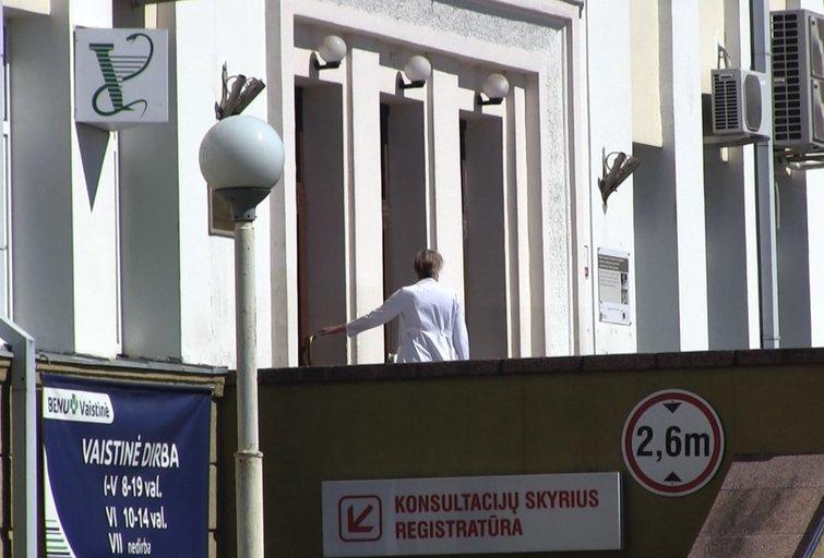 Po Šiaulių medikės mirties kolegos anonimiškai prabyla apie psichologinį smurtą (nuotr. stop kadras)