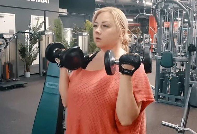 Sandra Žutautienė ryžosi figūros pokyčiams (nuotr. YouTube)