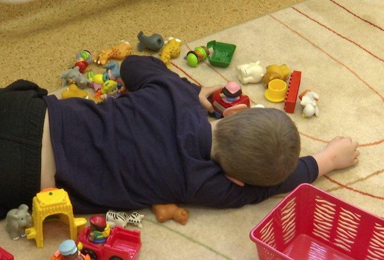 Vaikai žaidžia (nuotr. stop kadras)