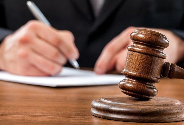 Teismas (nuotr. 123rf.com)