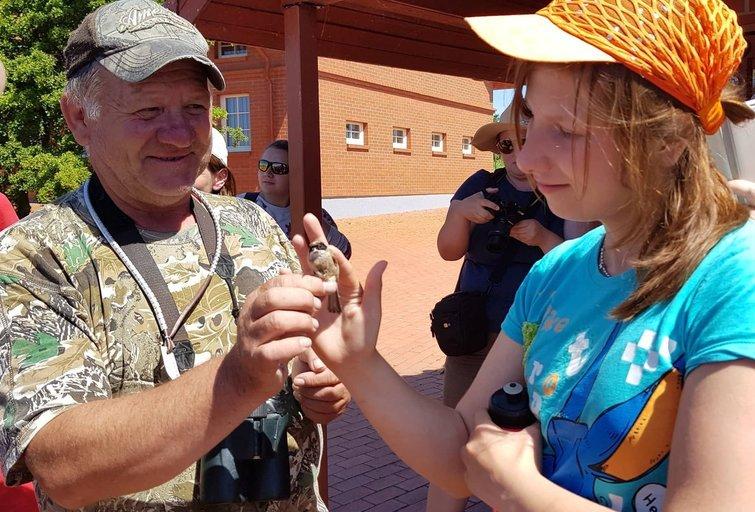 Tarptautinės stovyklos dalyviai apsilankė Ventės rage, kur žieduojami paukščiai. (nuotr. asm. archyvo)