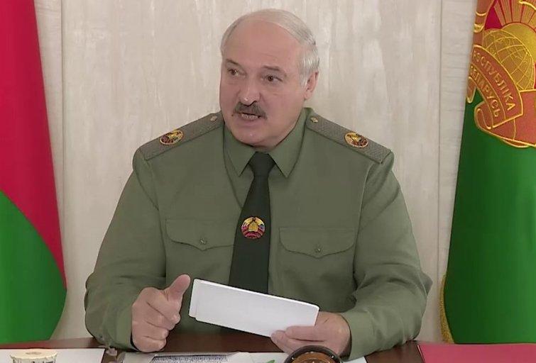 """Karingai nusiteikęs Lukašenka ruošia Baltarusiją mobilizacijai: """"Visi turi būti pasirengę"""" (nuotr. Telegram)"""