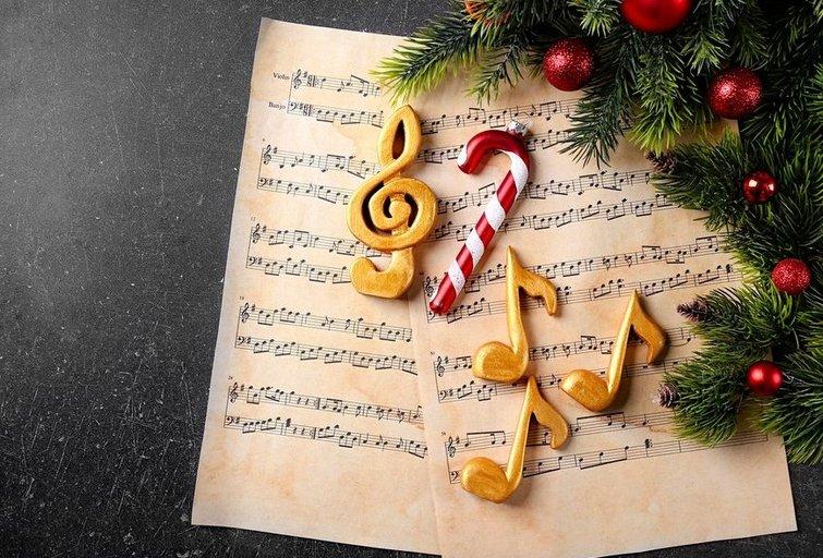 Kalėdinės dainos (nuotr. Shutterstock.com)