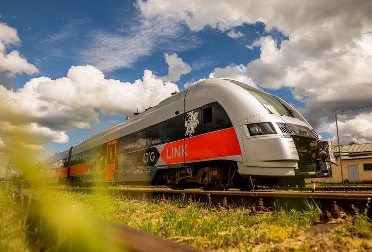 Žadama, kad kelionė traukiai turėtų gerokai sutrumpėti (bendrovės nuotr.)