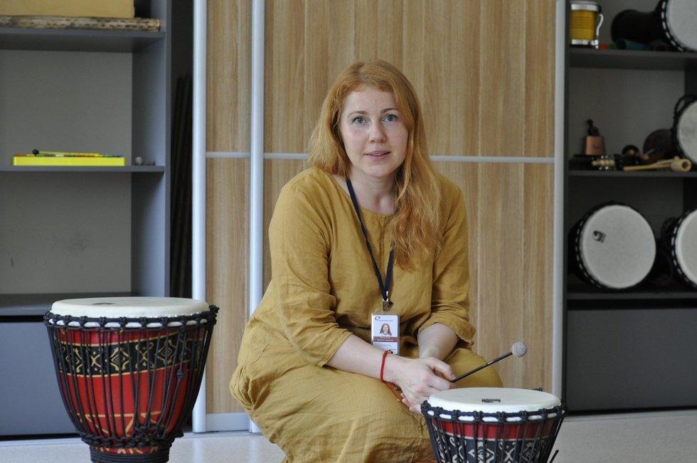 Diana Gečė – muzikos terapeutė, praktikuojanti ir geštalto terapiją. Nijolės Zenkevičiūtės nuotr.