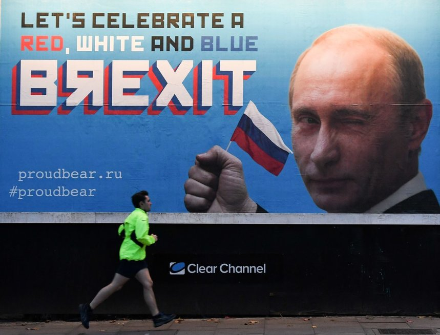 """Londoniečiams priminė apie Rusijos įtaką """"Brexit"""" (nuotr. SCANPIX)"""