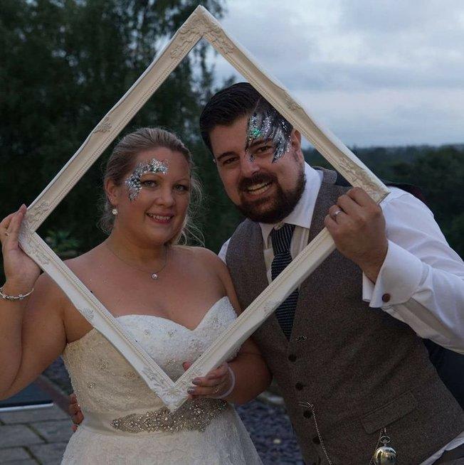 Laura ir Šonas May (nuotr. facebook.com)