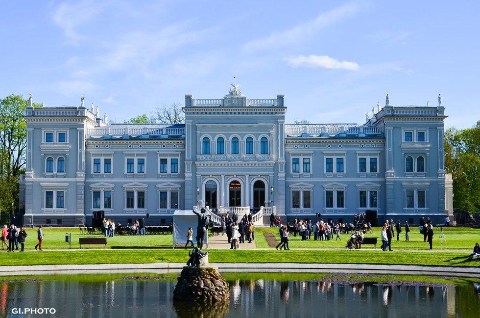 M. Oginskio rūmai (nuotr. Girmantės Zavadzkytės)