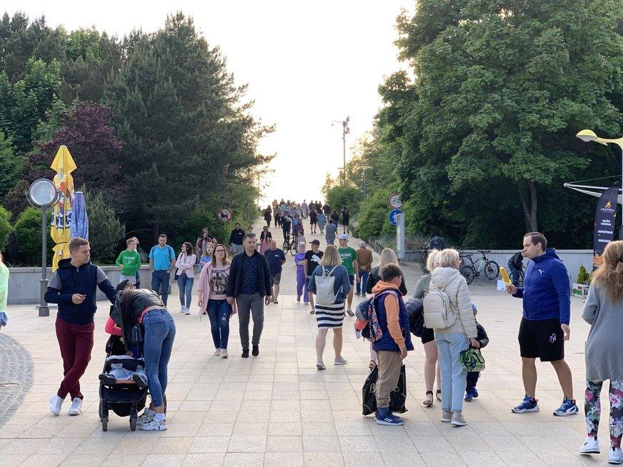 Penktadienis Palangoje: gatvėse minios žmonių ir Katunskytės šėlionės
