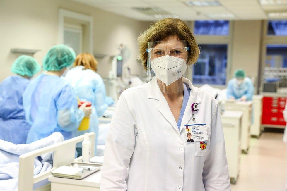 Kauno klinikose pradėti skiepyti sunkiausiomis ligomis sergantys pacientai (nuotr. Kauno klinikų)