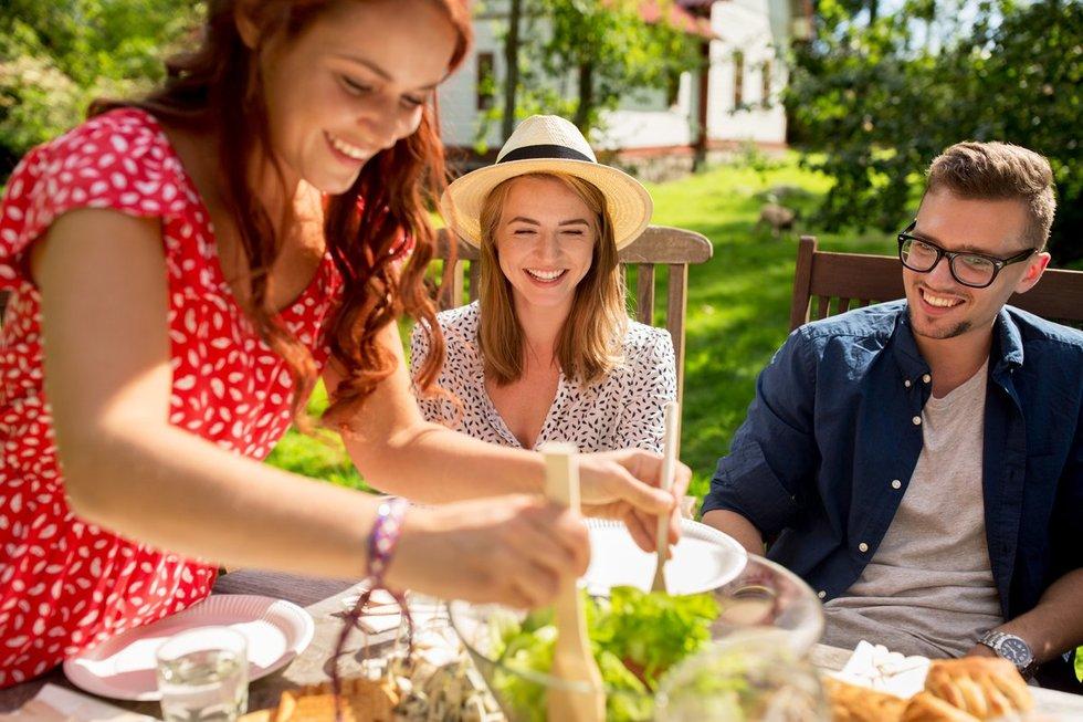 Mityba vasarą (nuotr. Fotolia.com)