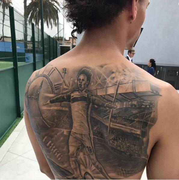 L. Sane tatuiruotė (nuotr. Twitter)