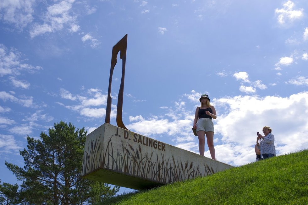 """""""Rugiuose prie bedugnės"""" skulptūros atidengimas(nuotr. Vlado Ščiavinsko)"""