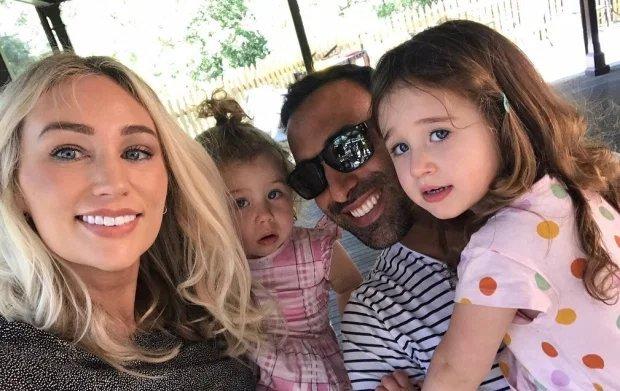"""Šeima tapo Australijos realybės šou """"Namų taisyklės"""" nugalėtojais"""