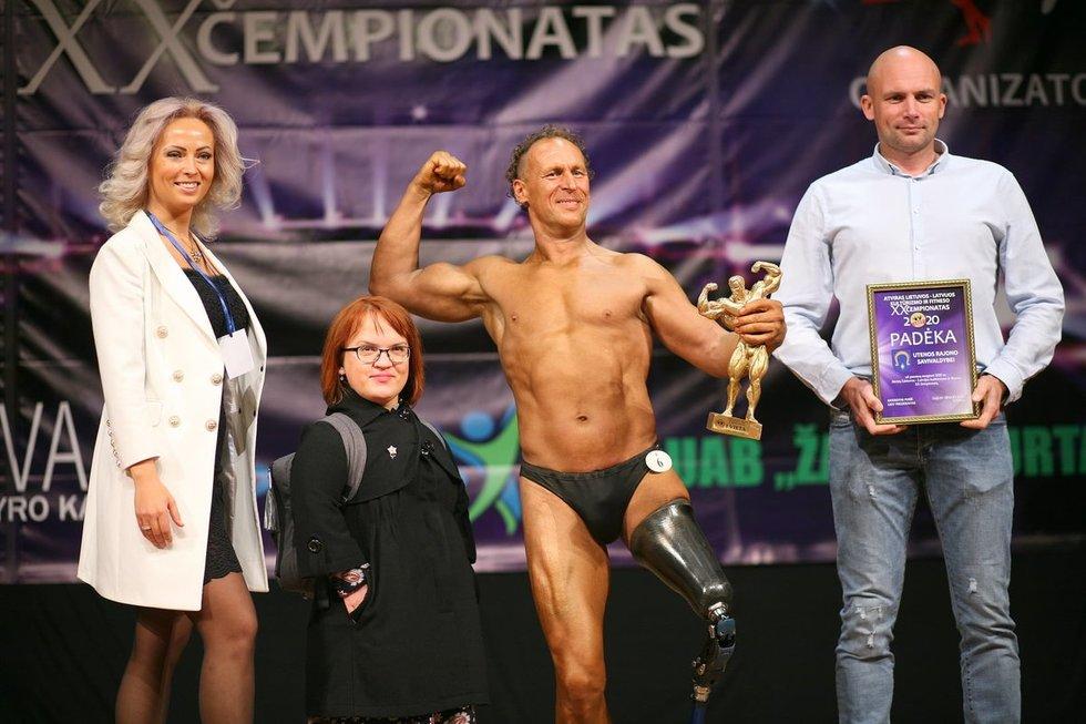"""Atvirame Lietuvos-Latvijos kultūrizmo ir fitneso čempionate D.Linka buvo apdovanotas neįgaliųjų kategorijoje. Sporto ir sveikatingumo centro """"RL Gym"""" nuotr."""