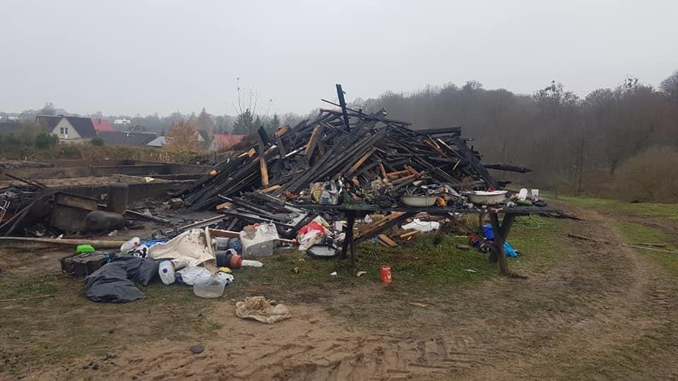 Gausios Marčiukaičių šeimos namus ugnis suniokojo iki pamatų