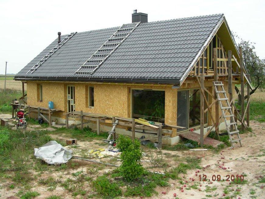 Lietuvaičiai iš senos trobos sukūrė įspūdingą namą