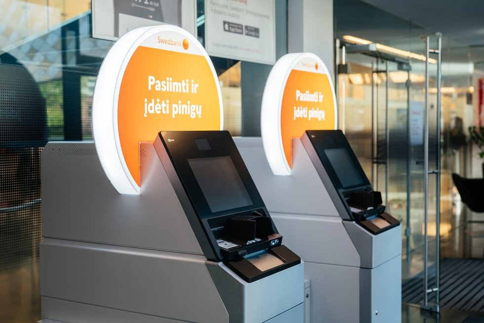 Nauji Swedbank bankomatai (bendrovės nuotr.)
