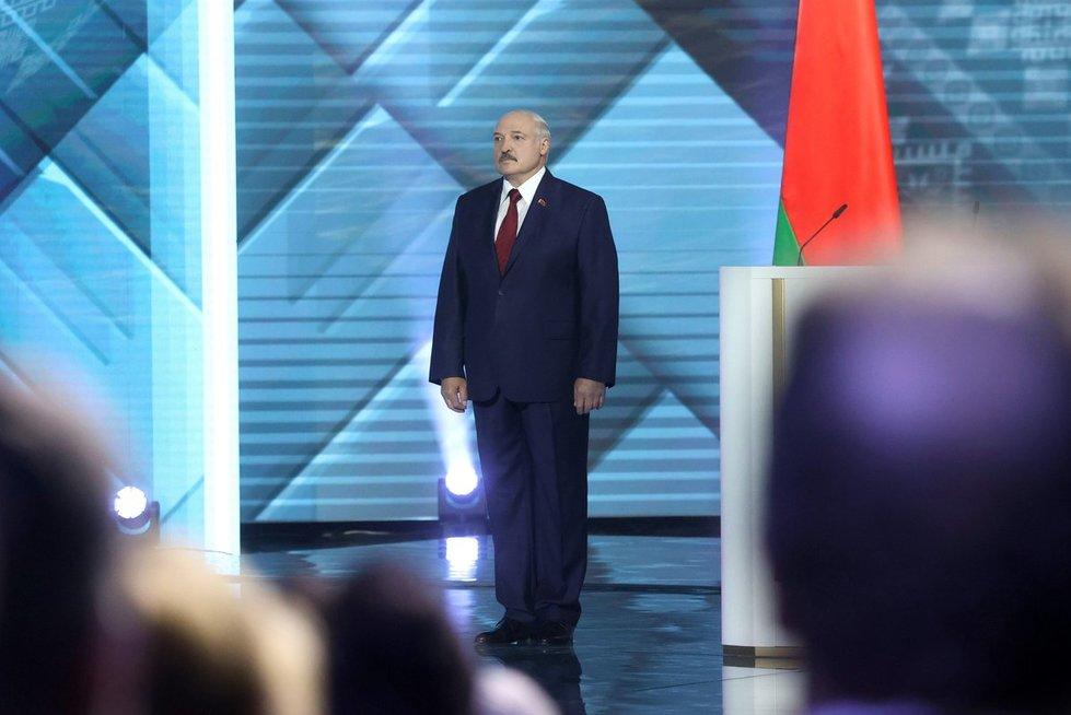 A. Lukašenka kreipdamasis į tautą ir Nacionalinę Asamblėją atrodė pavargęs ir karščiuojantis