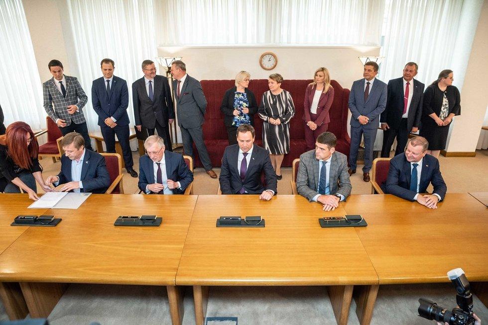 Pasirašyta koalicijos sutartis