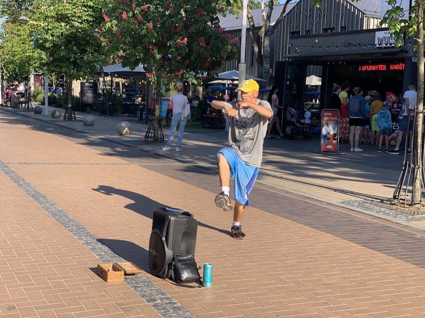 Pajūrio gatvės muzikantai pripažįsta: lietuvių skonis prastas