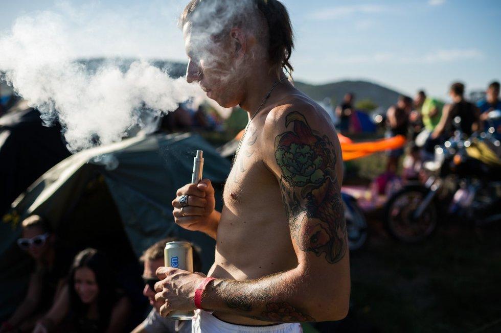 El. cigarečių gamintojai gavo ultimatumą: uždrausime prekybą, arba sugalvokite planą (nuotr. SCANPIX)
