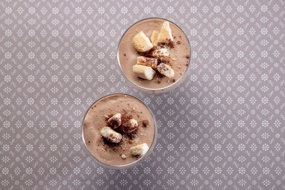 Kavos ir šokolado putėsių desertas