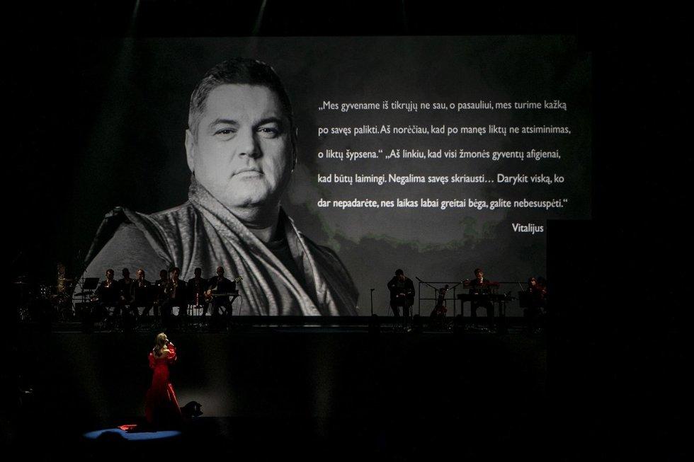 """Vitalijaus Cololo atminimas """"Žmonių"""" apdovanojimų metu"""
