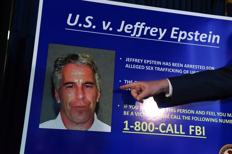 Multimilijonierius Epsteinas: kaltinimai pedofilija, įtakingi draugai ir mirtis kalėjime