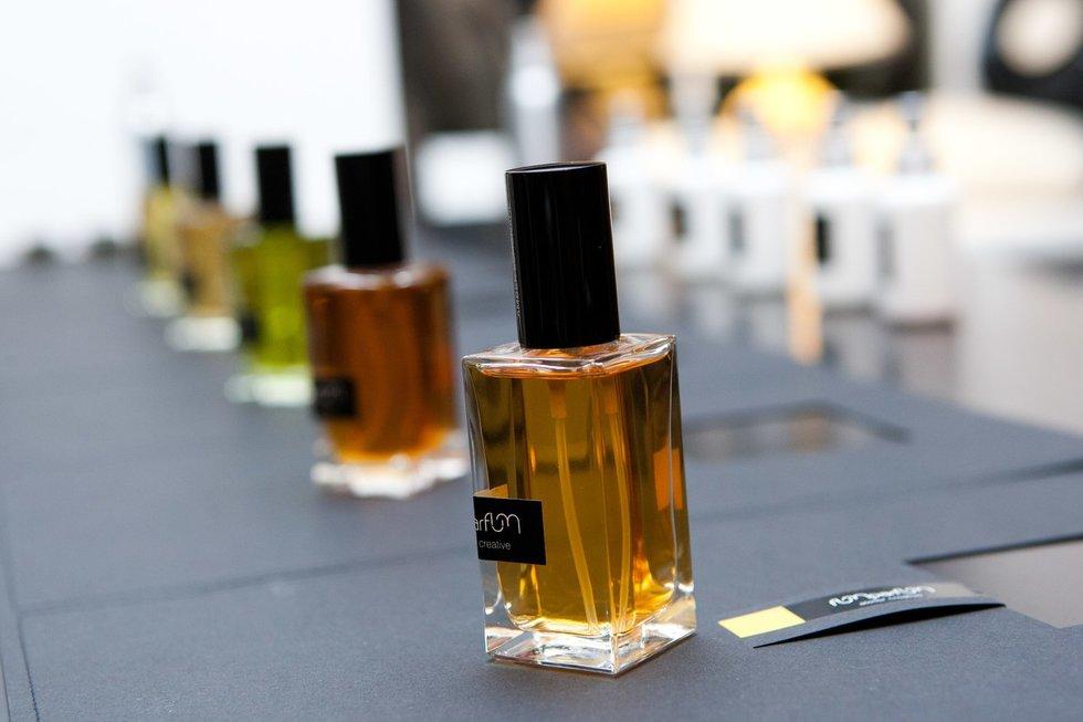 Aisčio Mickevičiaus parfumerinei veiklai - 10 metų