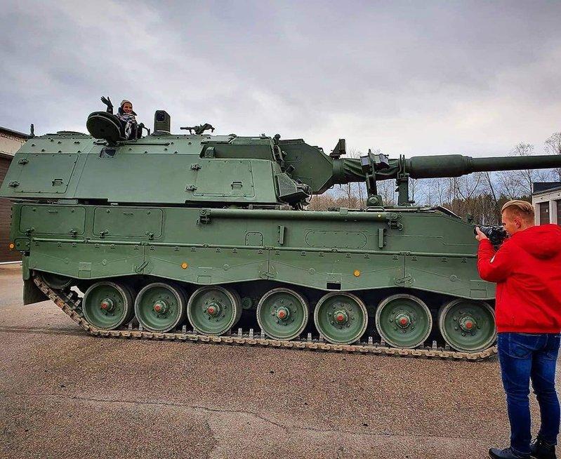 Haubica nėra paprastas tankas