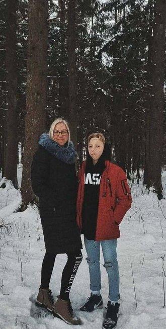 """Be abiejų ausų gimusiam Gvidui atlikta pirmoji tokia operacija Lietuvoje: """"Dabar sėdime laimės vežime"""""""