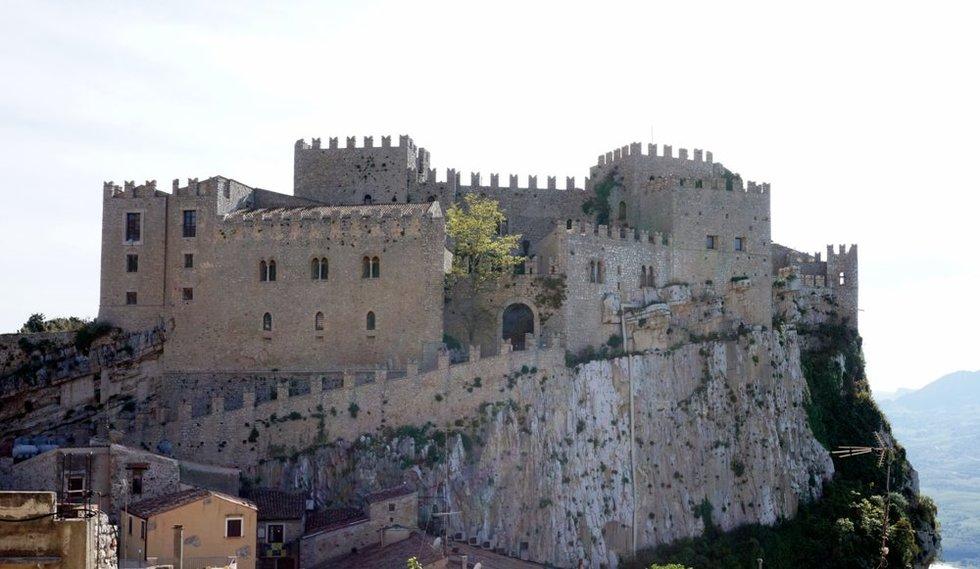 Castello di Caccamo, Palermas