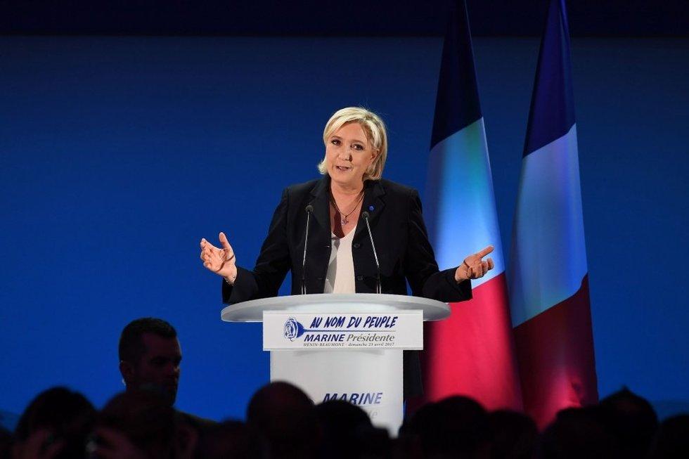 Nacionalistė Marine Le Pen, kuriai prognozuojama nesėkmė rinkimuose