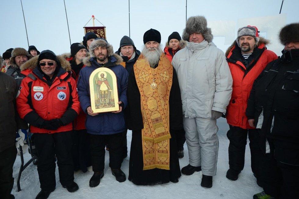 Rusijos vicepremjeras Dmitrijus Rogozinas lankosi Arkties regione (nuotr. SCANPIX)